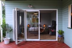 web2_Bi-Fold-Doors-003